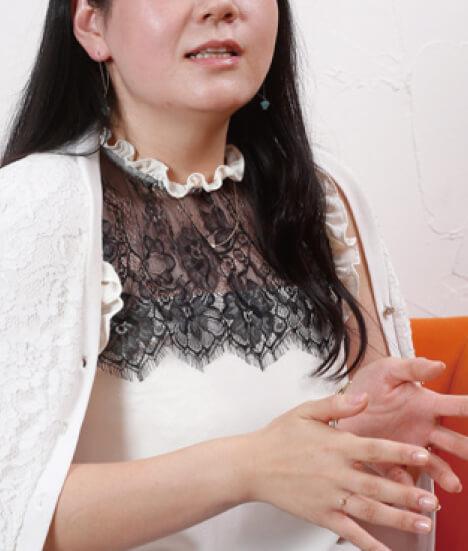 Yさん(32歳・金融)正社員事務職と韓国料理店を掛け持ち