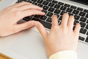 社内メールで依頼ごとをするときのチェックポイントは?