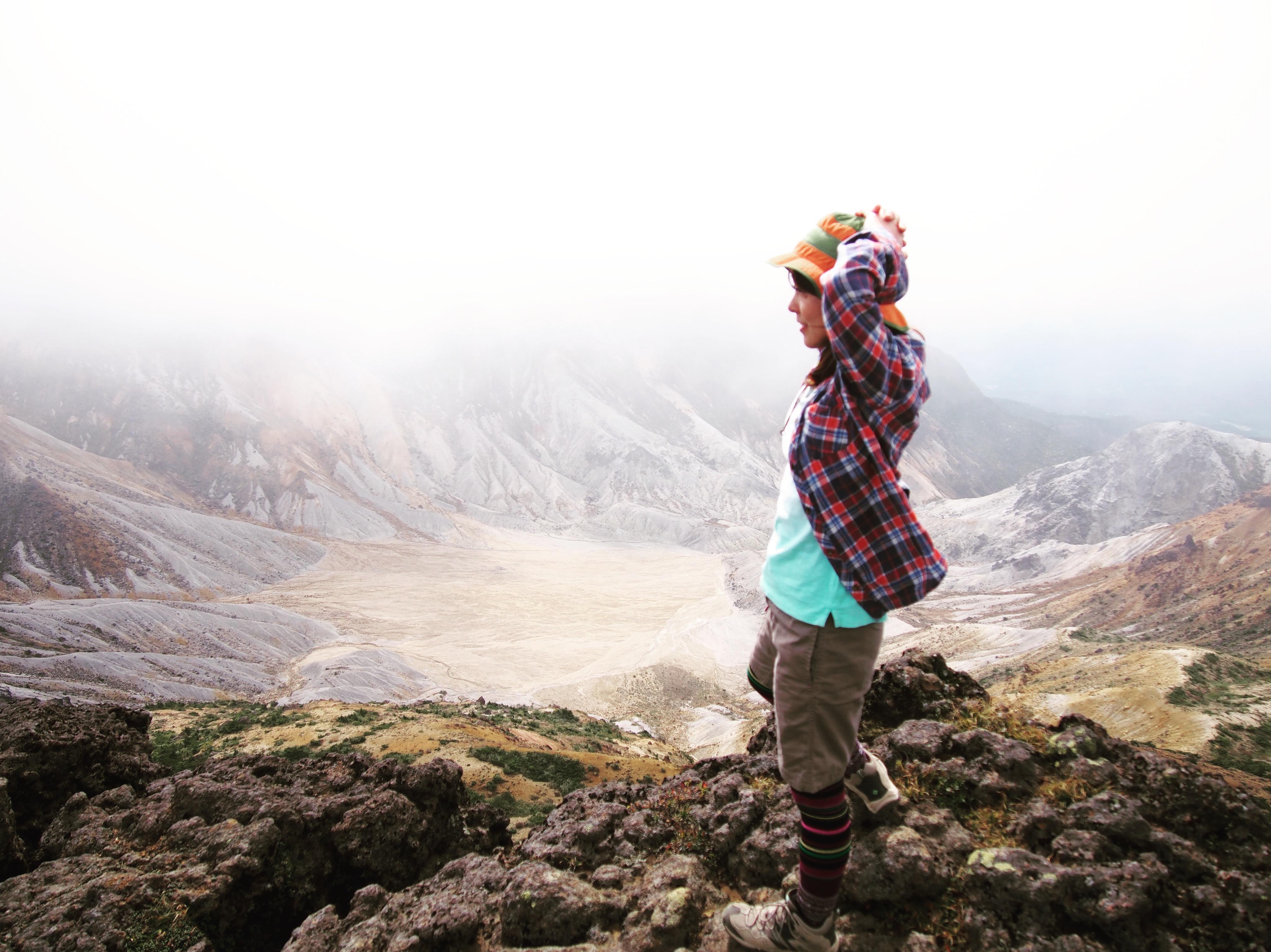 【登山】ド迫力の噴火口に豊かな自然♪秋にオススメな山・安達太良山