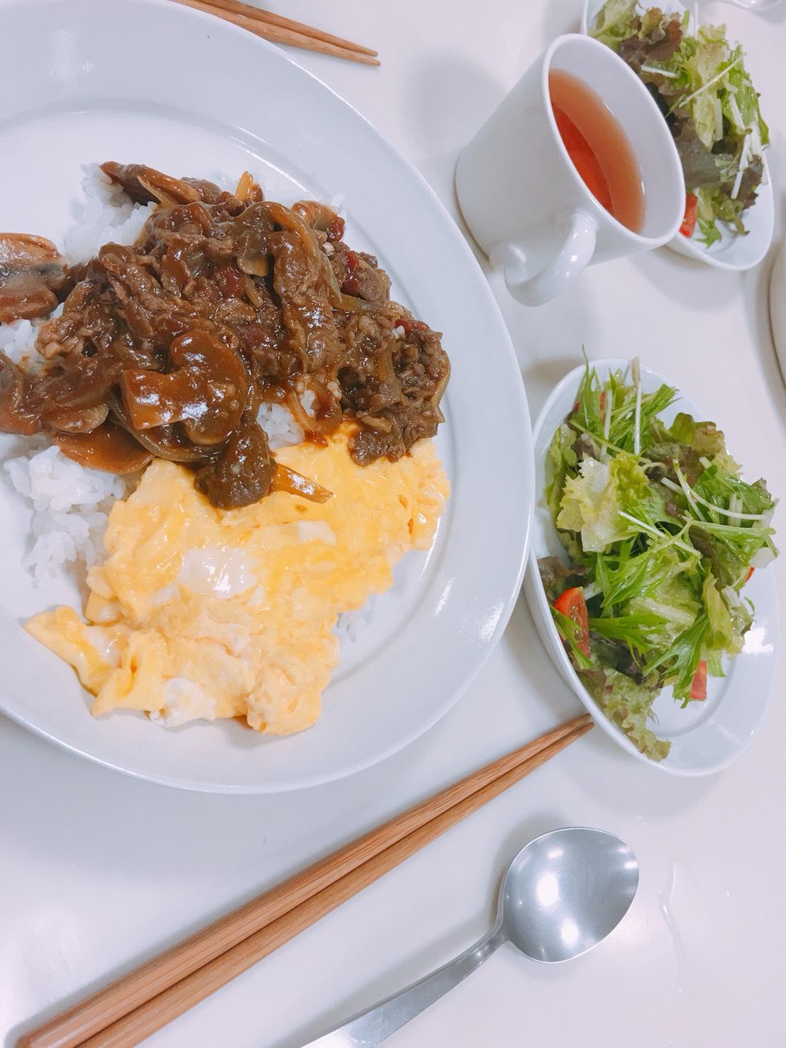 【500円でお料理教室!】美味しくて簡単オムハヤシとグリーンサラダ♡