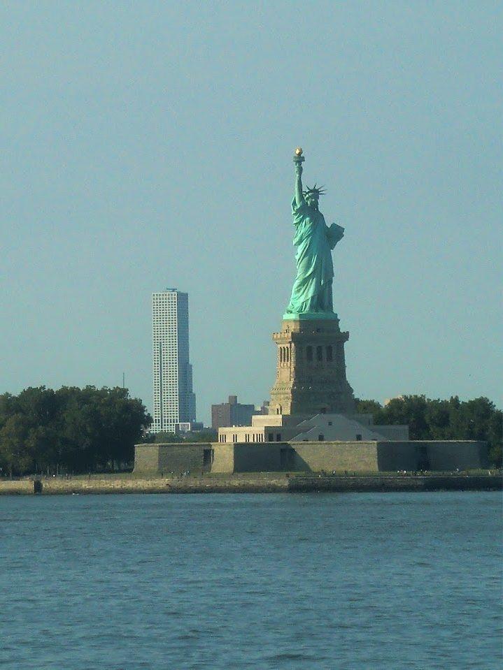 自由の女神を無料で見れる!スタテン島へのフェリー【NY一人旅】