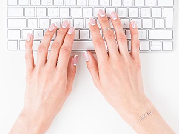 【働く女性のネイル事情2】キーボードを打つ手にうっとり? オフィスネイルの境界線