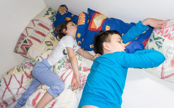 子どもがなかなか寝てくれない日に効果的だったこと【3男児ママ考察の育児ポイント】