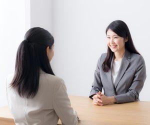 長期休暇を取りたい…。社内での相談のタイミングは?