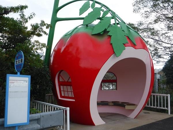 インスタ映えで人気!フルーツバス停(長崎県諫早市)