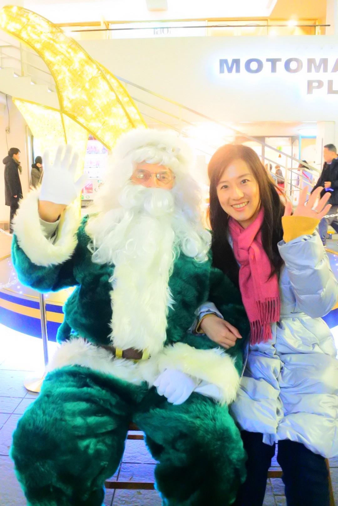 クリスマスは横浜元町にグリーンサンタとロンドンバスが登場!