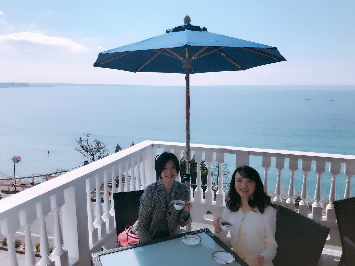 エメラルドグリーンを眺めながらティータイム〜葉山ホテル音羽ノ森