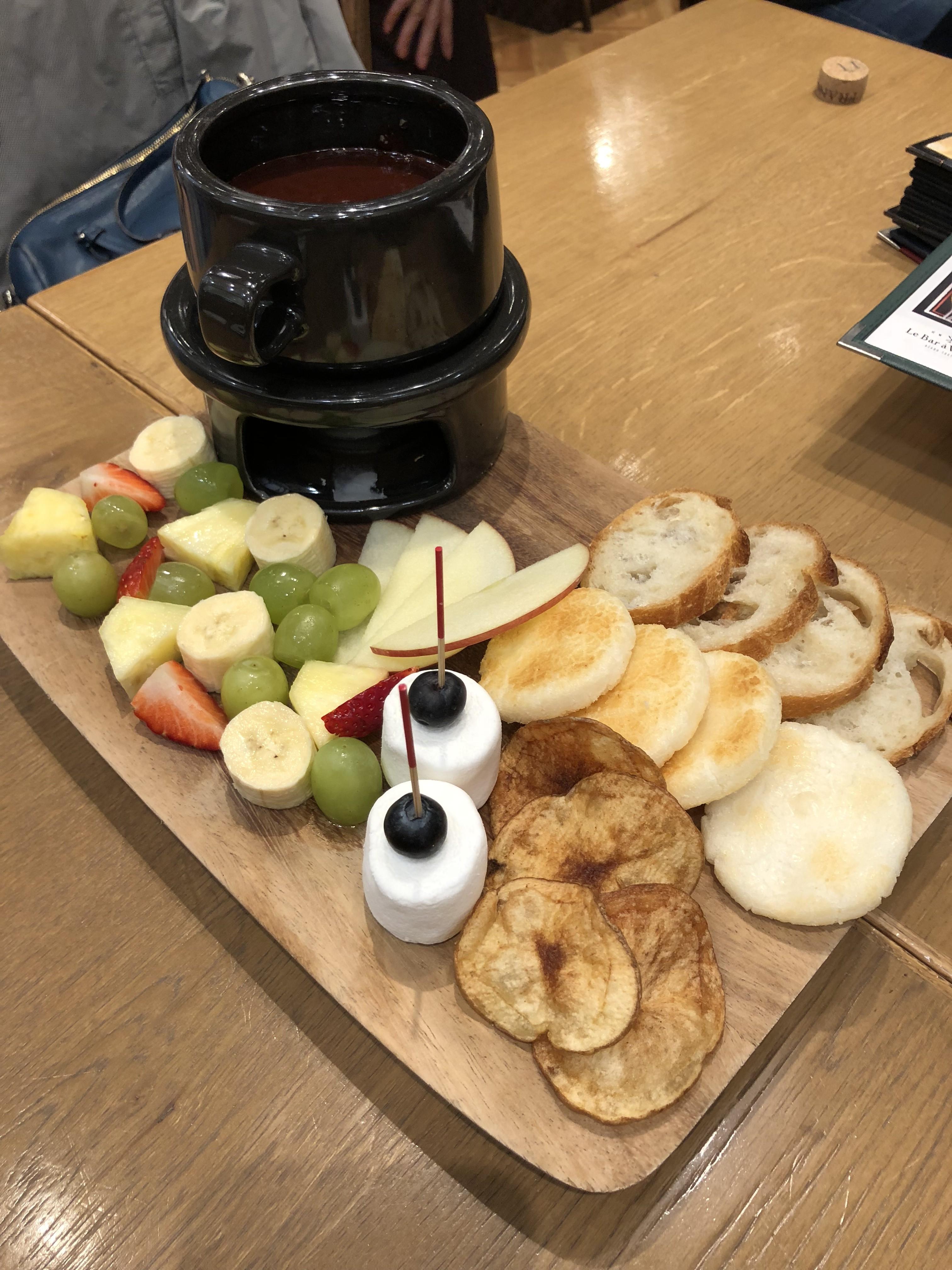 成城石井のワインバーでチョコレートフォンデュ食べ放題!