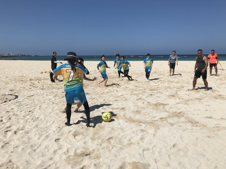 沖縄でビーチサッカーを習ってきました!