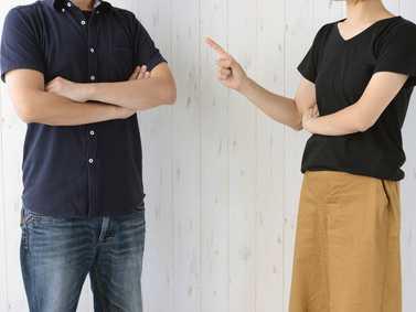 義両親や夫の過干渉でイライラ! どう対処すればいい?