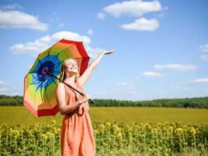 日傘、当然のように黒を選んでいませんか? クアナンバー別、風水で人間関係運を高める日傘選び