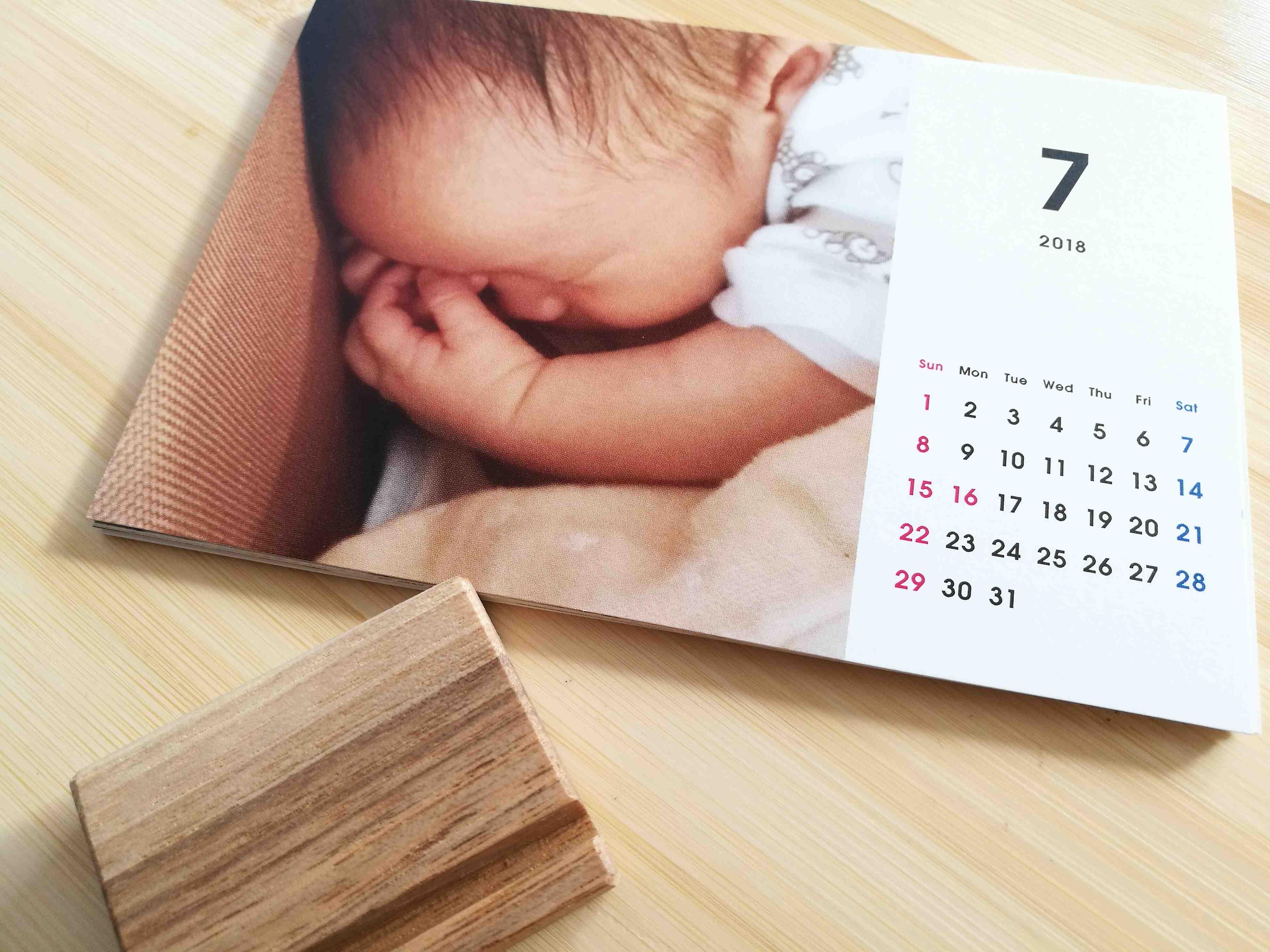写真付オリジナルカレンダーは送料込みでワンコインの『TOLOT』で