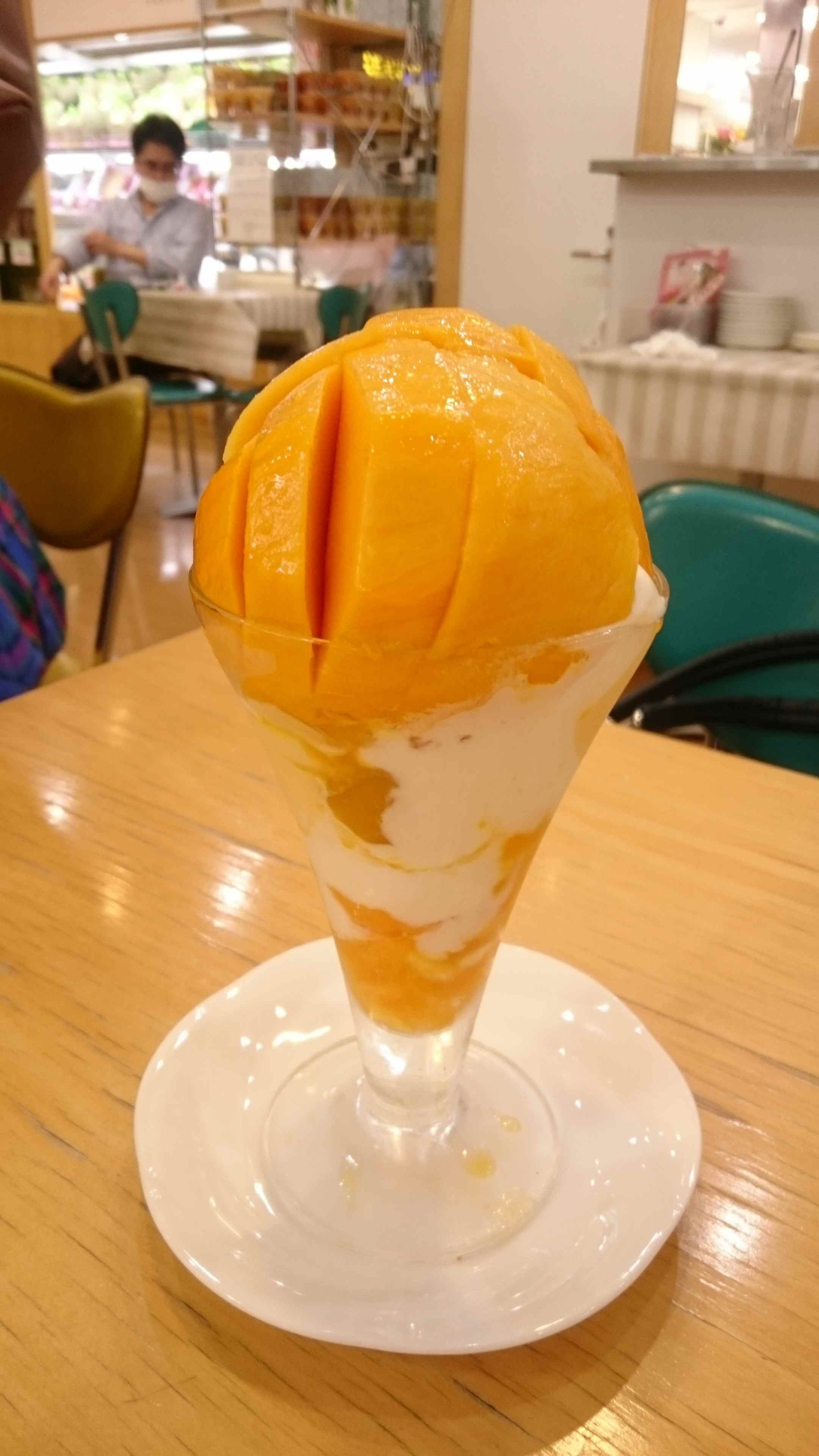 【カフェ】果物屋のフルーツパフェがやばい!
