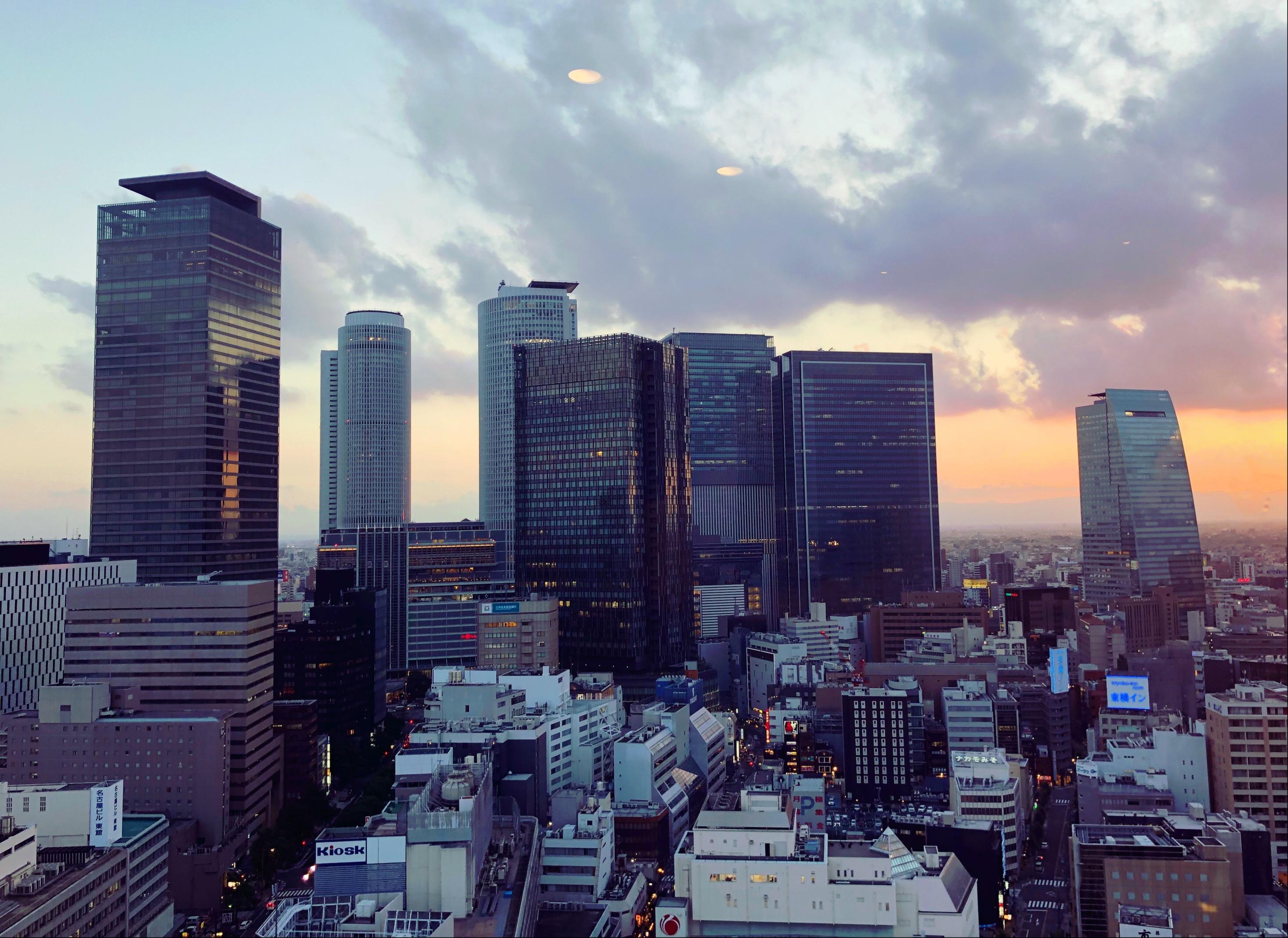 名古屋駅のビル群が見渡せる東天紅国際センタービル店