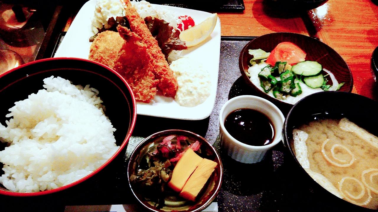 土曜銀座ランチで1050円!お得に食べるならここ♪