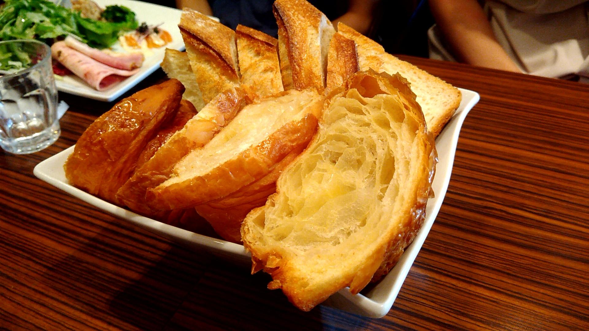 1200円でメゾンカイザーパン食べ放題!土日ランチは予約ができるよ♪