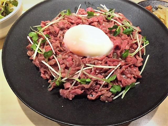 「肉料理とワイン 萬屋二平」でお肉を堪能♪♪