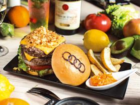 ワタシノスキ!「Audi公式カフェで味わう 季節のデリやハンバーガー」