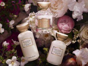 Flora Notis JILL STUART「ボディオイル&ボディミルク」のセット(フレッシュピオニー、フレンチローズ、リッチカメリア)を各1組・計3人に
