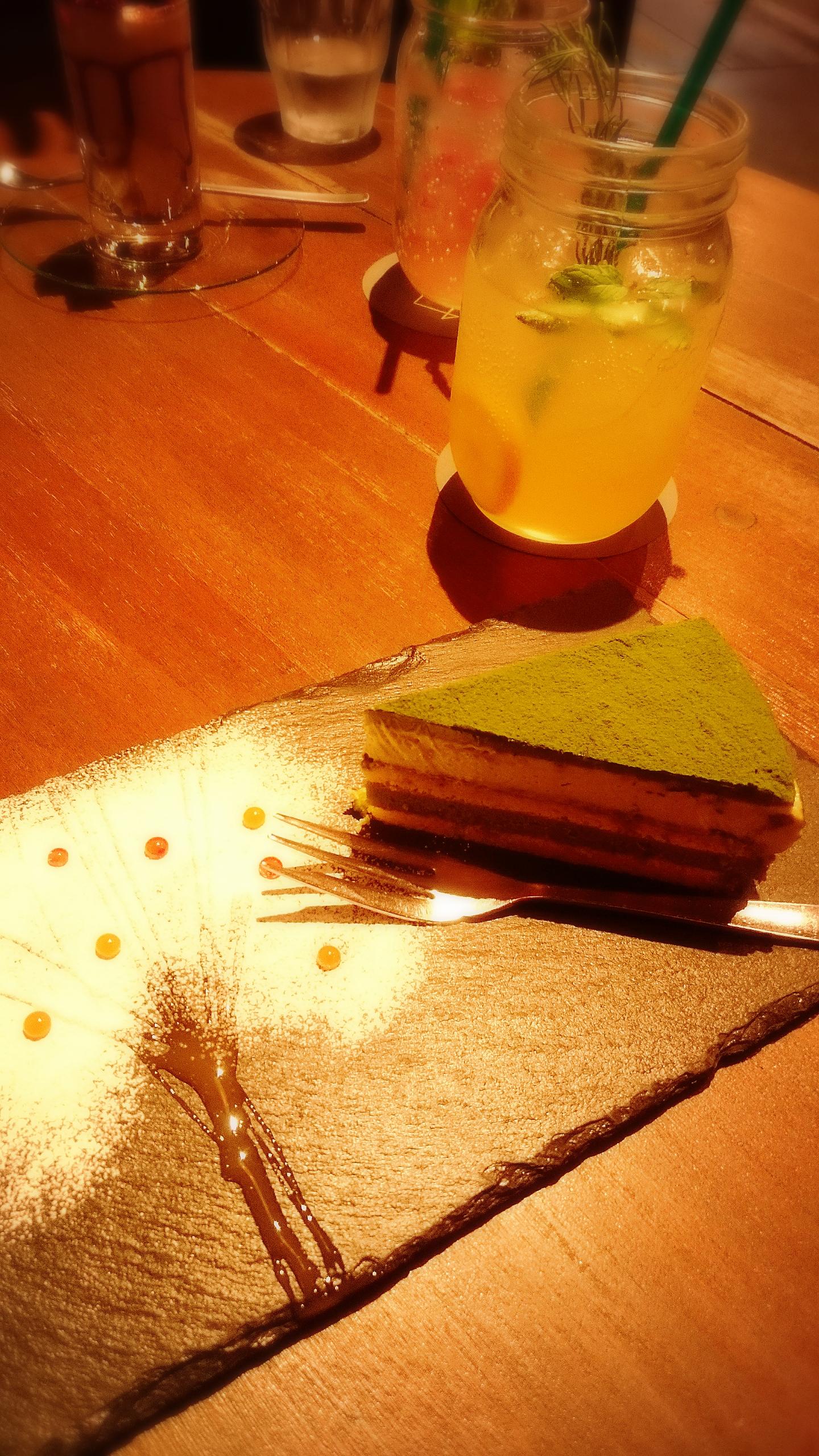映えるメニューしかない。刈谷市でくつろぎ夜カフェ