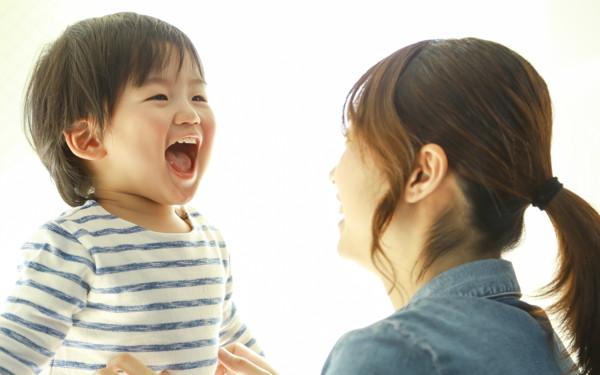 """子どもの言葉「一つを繰り返し? いろいろを同時?」言葉が早く身につくのはどっち?【イクメン脳研究者が教える""""脳から考える子育て"""" 第8回】"""