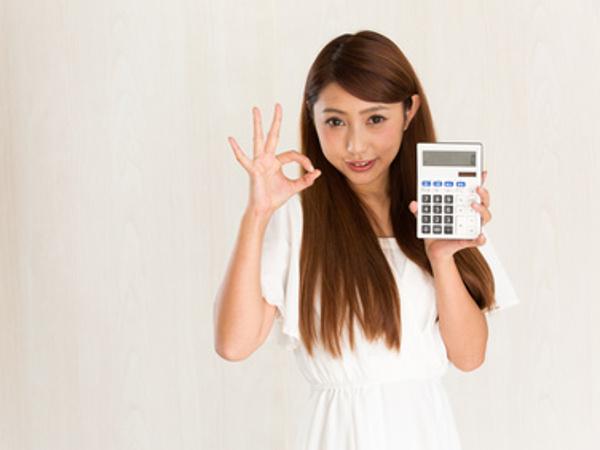 働く女性のファッション事情【トップス編】カットソーやTシャツにいくらかける?