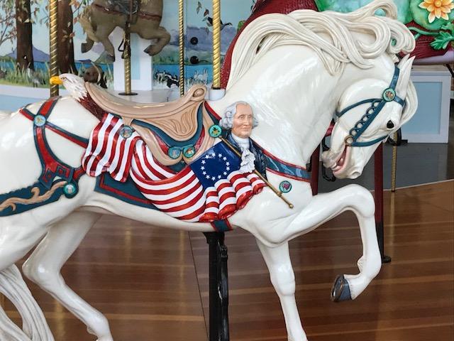 アメリカ・オレゴン州の美しい回転木馬を修復したのは?