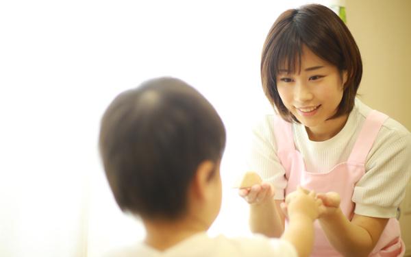 """0歳から保育園「かわいそう、うしろめたい…」本当にそうなの?【「ママ、あのね」心理相談のプロに聞く""""子どもの気持ち、ママの気持ち"""" 第3回】"""