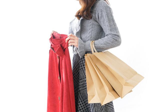 働く女性のファッション事情【ボトムス編】 スカート・パンツにいくらかける?