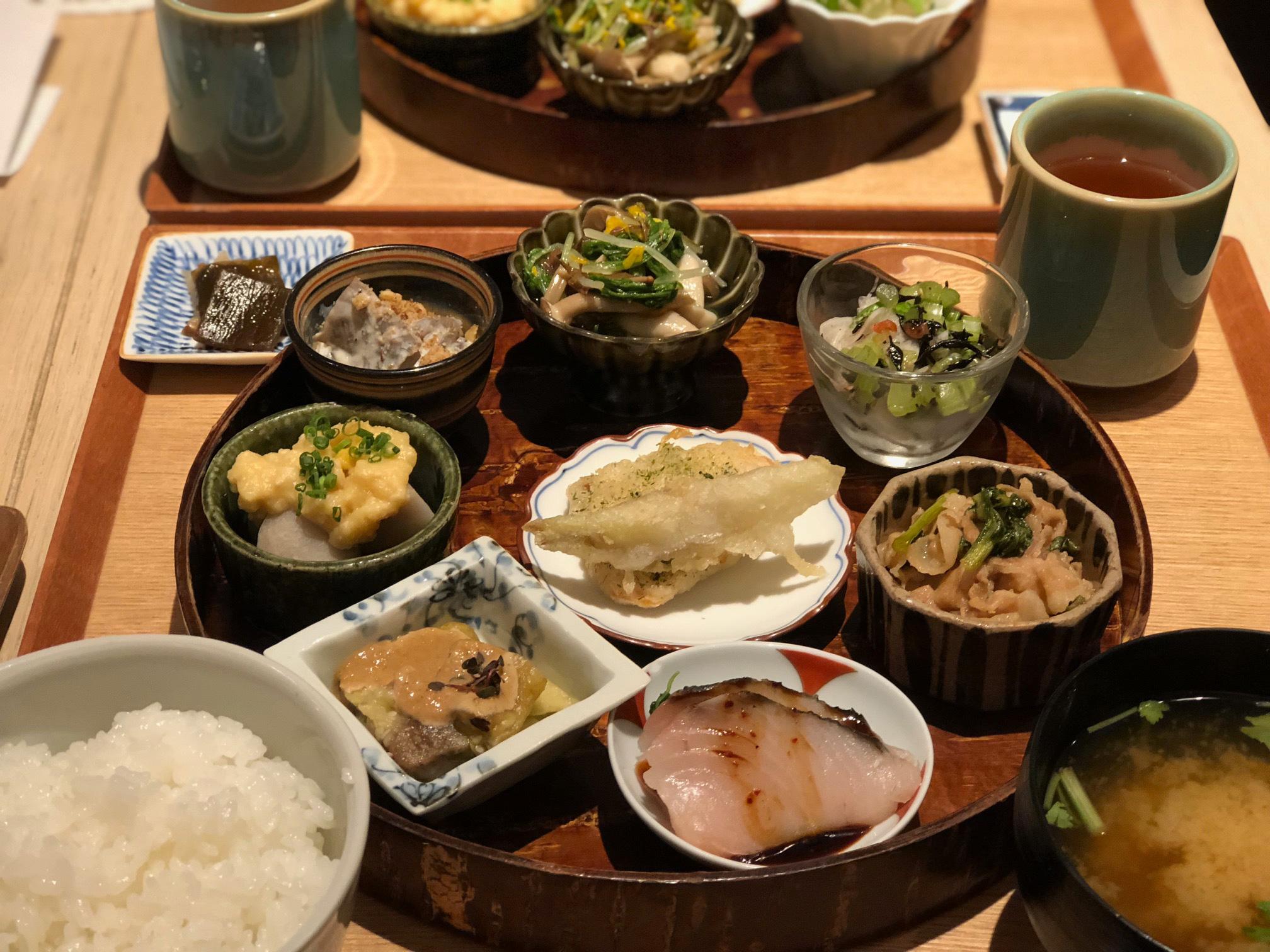 【銀座・和食】8品の絶品おかず×白米がたまらない! 銀座のぜいたくランチ