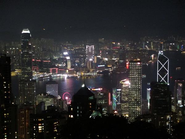 晴れたら山頂へGO!香港の夜景をビクトリアピークから眺めるには?