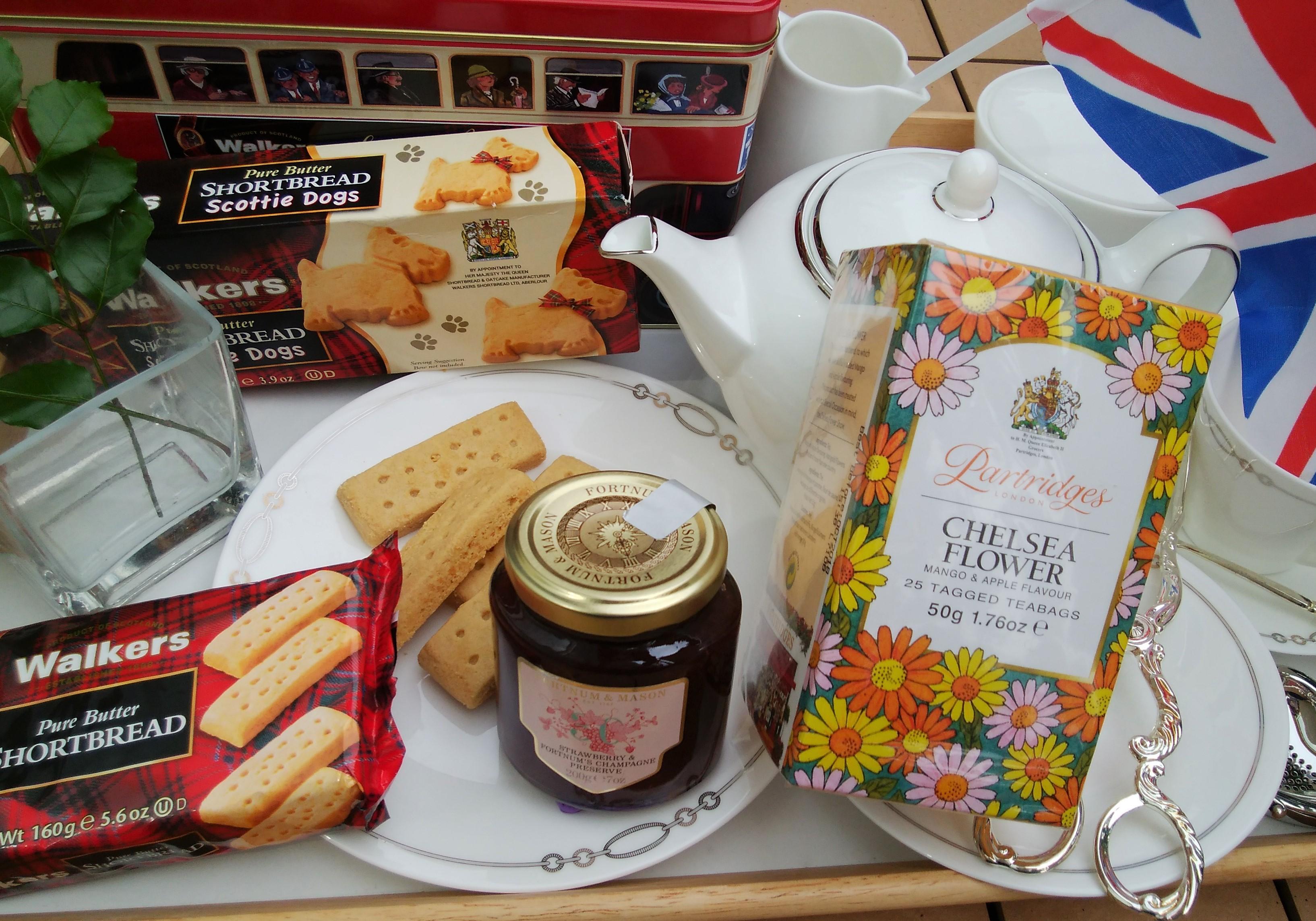 「英国王室御用達」の味を気軽に♪ ティータイムのおすすめ3選