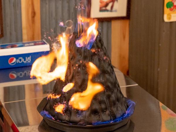 【編集部ブログ<TOKYO>】本場タイで爆発的人気を博した「火山鍋」とは…!?