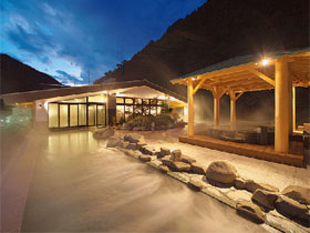 温泉と美食に心もカラダもとろける宿へ