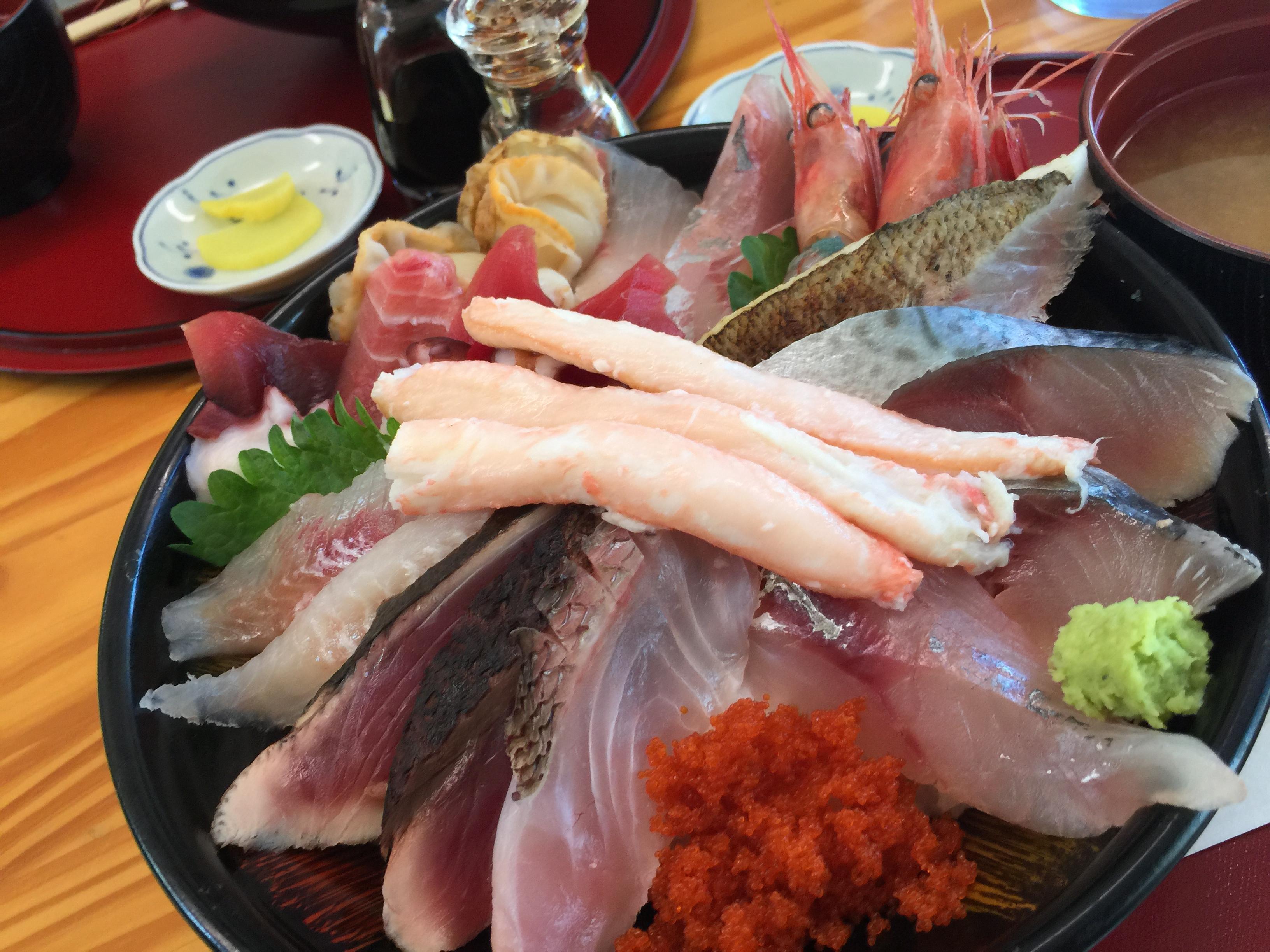 *人生の中で最強の海鮮丼!!!