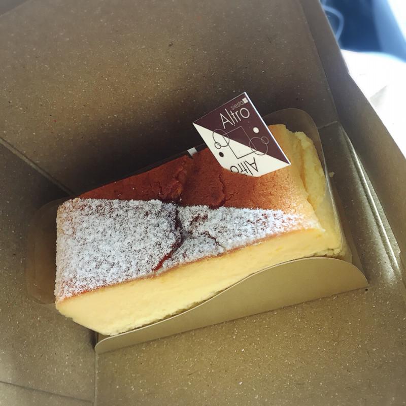 濃厚なのにさっぱりした味わいのベイクドチーズケーキ「シエスタ」