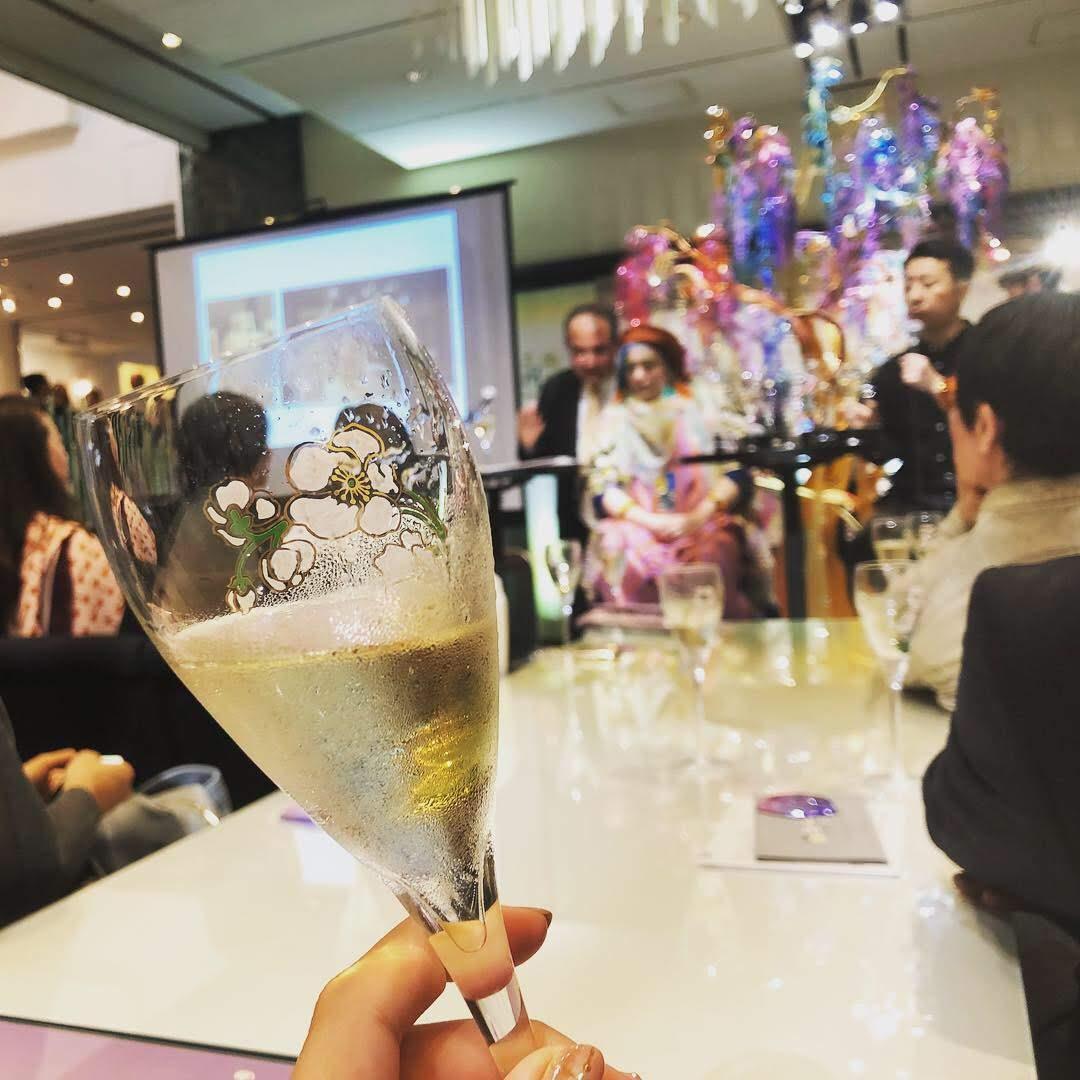 芸術とシャンパンに酔いしれる夜.☆*゚・゚。at 南青山
