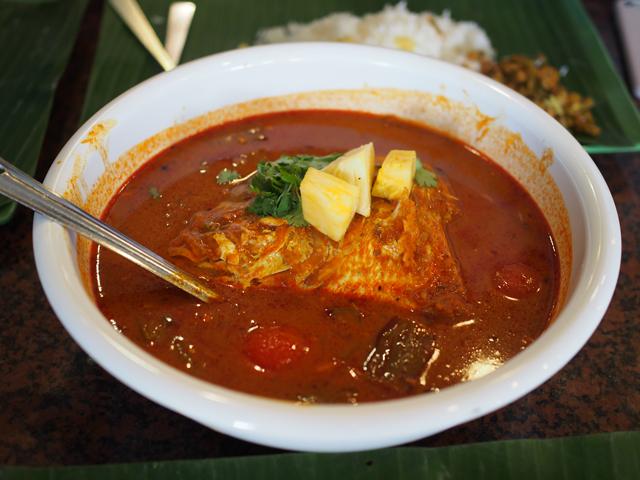 シンガポール名物のカレーを食べてきた