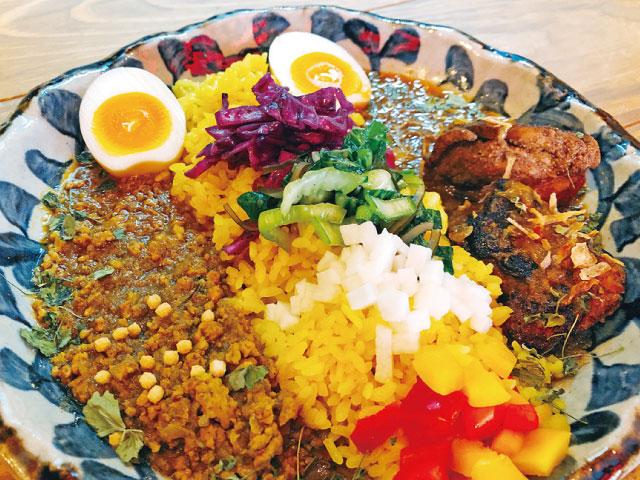 【大阪】自由な発想で食欲そそる大阪スパイスカレー