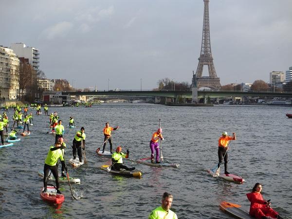 パリ・セーヌ川でのSUPレースを見学へ!