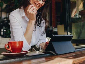 将来フリーで働くことを視野に入れた場合、今何をしておくべき?