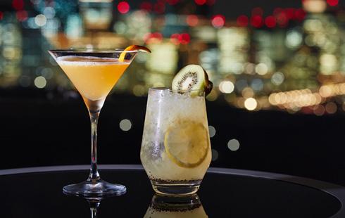 ザ・プリンスギャラリー 東京紀尾井町 Sky Gallery Lounge Levita(35階)「みかんと紀州梅酒のカクテル」「和歌山のキウイフルーツのカクテル」