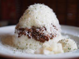 【吉祥寺】見た目はふわっふわのかき氷♪ チーズたっぷりで映えるドライカレー