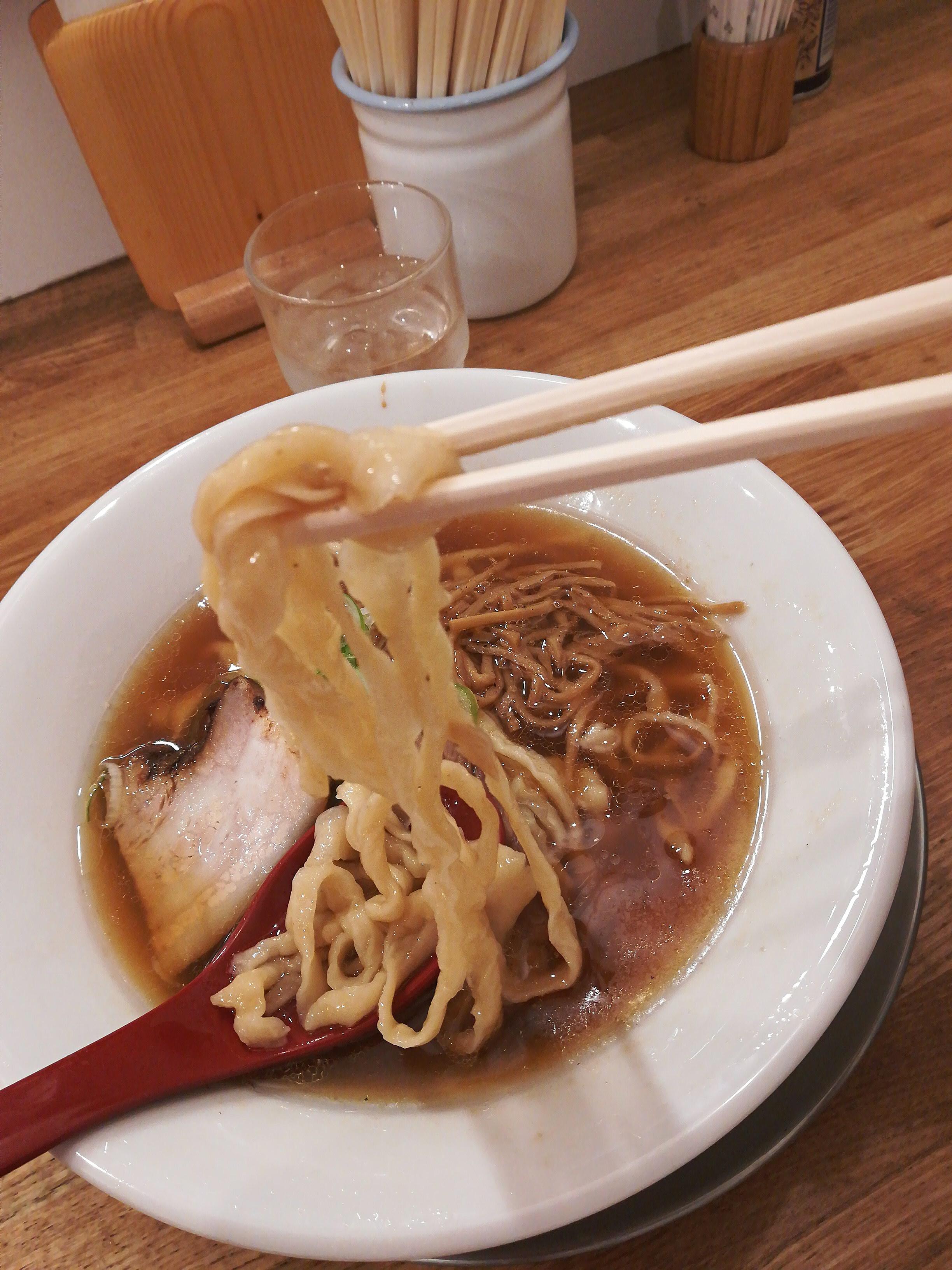 ミシュラン☆ラーメン《麺や 七彩》