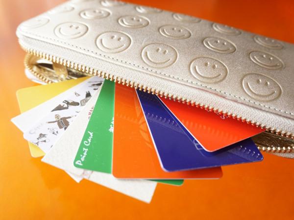 長財布派? ミニ財布派? あなたが今メインで使っている財布の種類は?