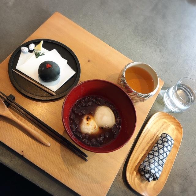 落ち着いた空間で素材にこだわった上品な和菓子をいただける「餅匠しづく」