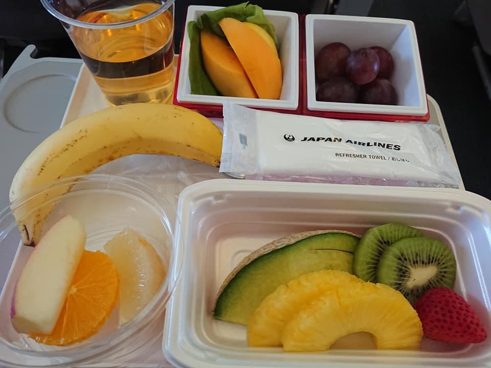 【JAL国際線】機内食をフルーツミールにしてみました。