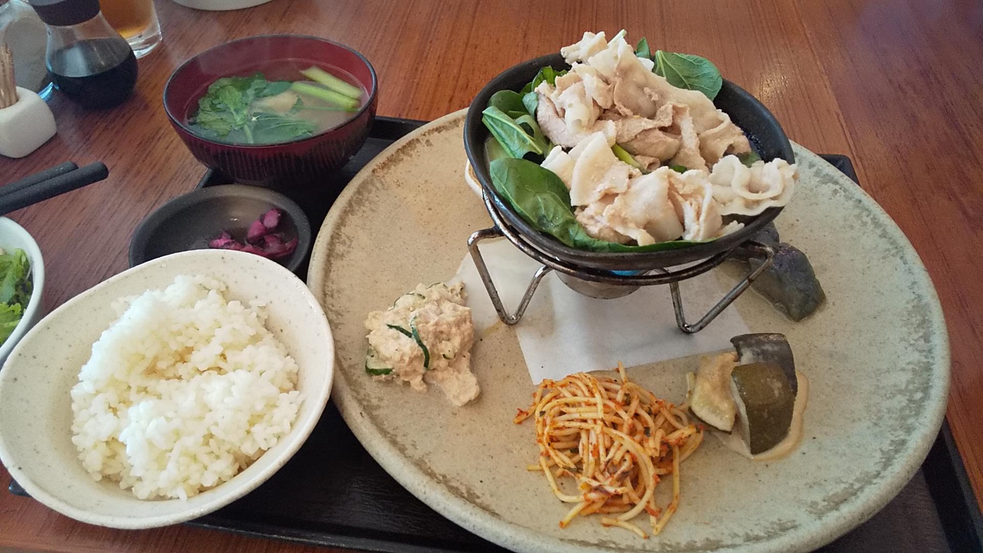 野菜不足解消!自家製野菜たっぷりのランチ in 北新地