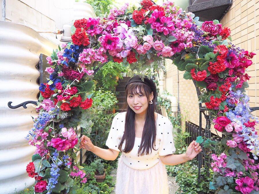 お花に囲まれて!代官山で大人気のフレンチレストランでランチ!
