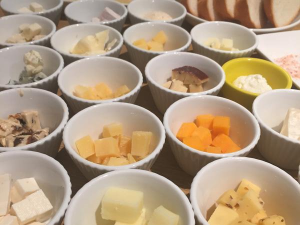 世界各国のおいしいチーズを好きなだけ! 食べ放題に挑戦